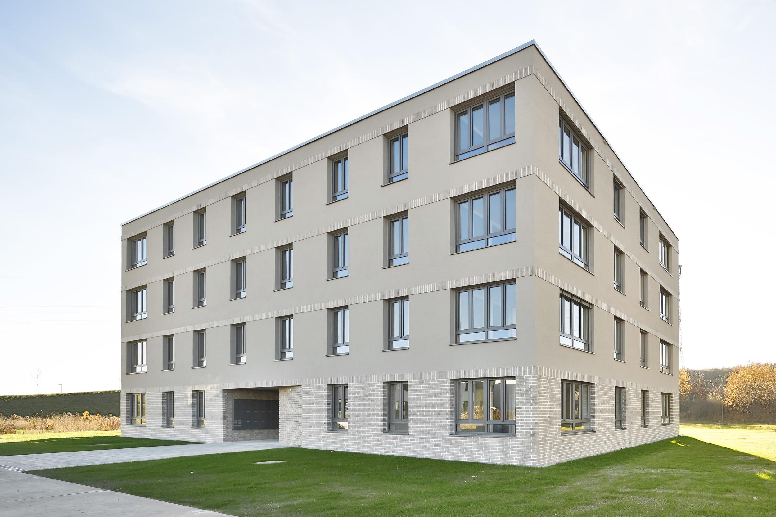 ganghofstrasse neu ulm schwarz architekten. Black Bedroom Furniture Sets. Home Design Ideas